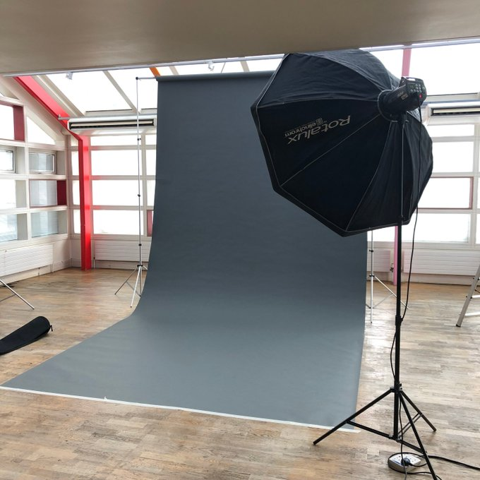 Photoshoot backdrop and lights