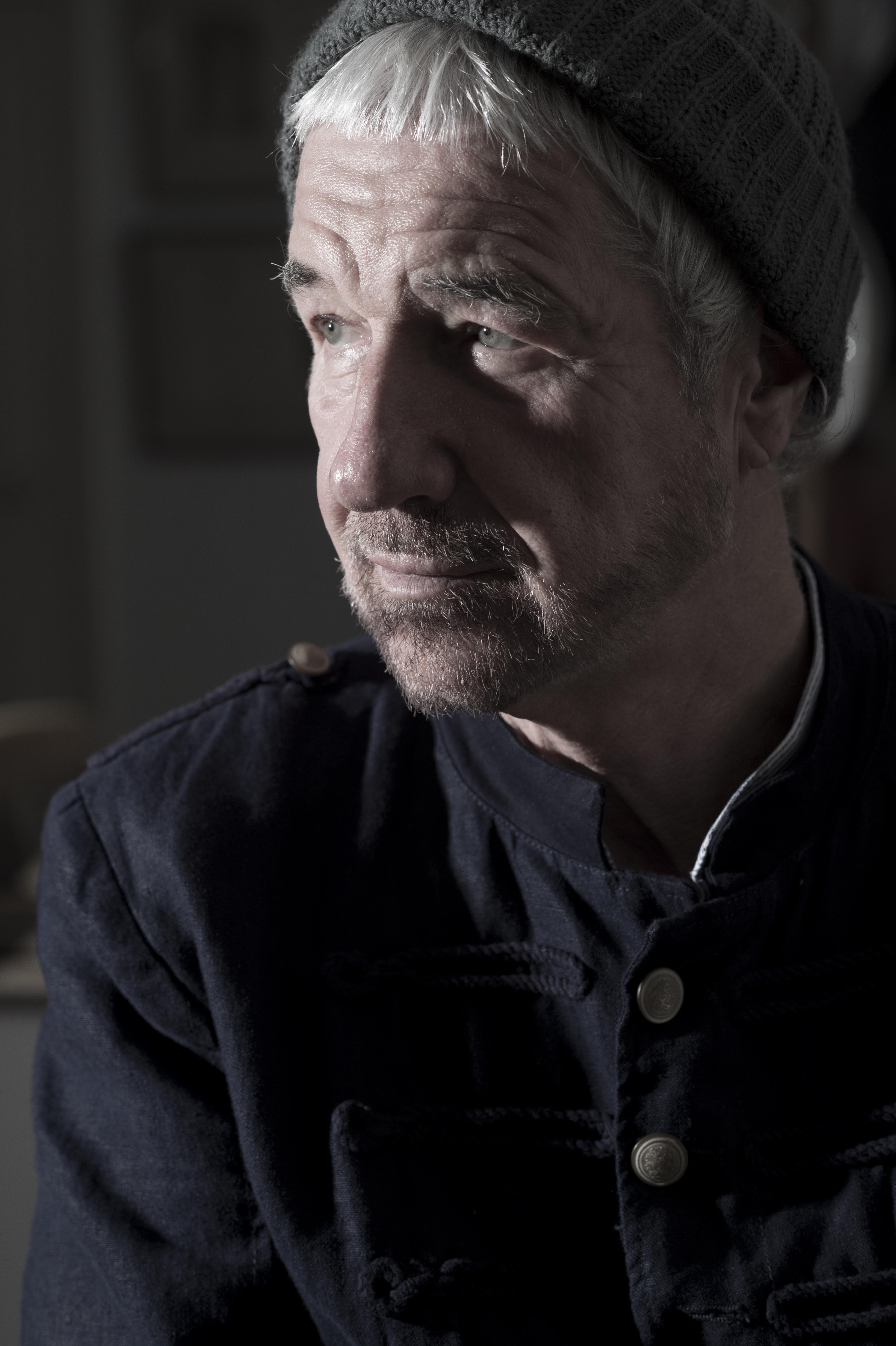 Willy Russell in a hat