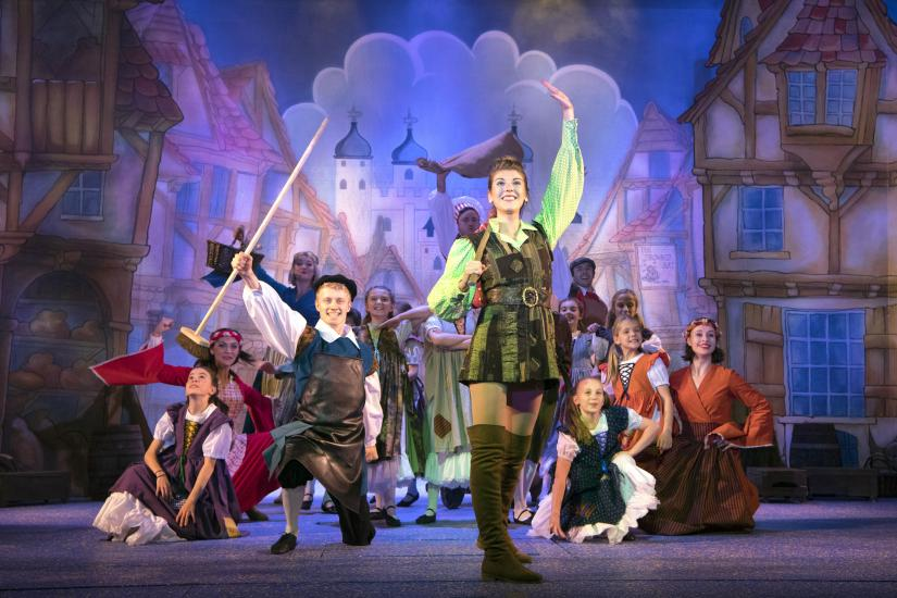 Dick Whittington (Holly Easterbrook) and cast